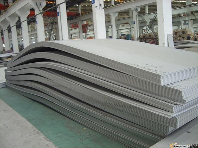 广西钢材贝博开平板普中板常年供应桥梁支撑板